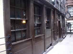 Olde Cheshire Cheese, Fleet Street. Photo: Flickr user Ewan-M