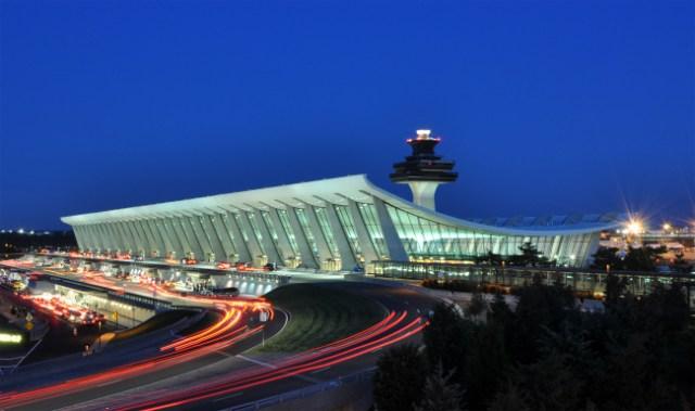 Washington_Dulles_International_Airport_at_Dusk
