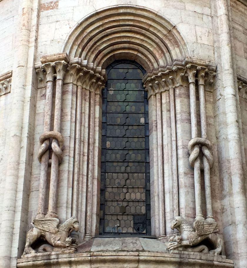Trento_Kathedrale_Detail_Knoten
