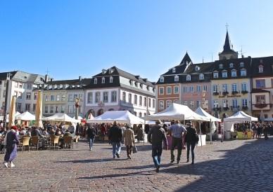 Der Hauptmarkt Triers, der seinem Namen alle Ehre macht. (© casowi)