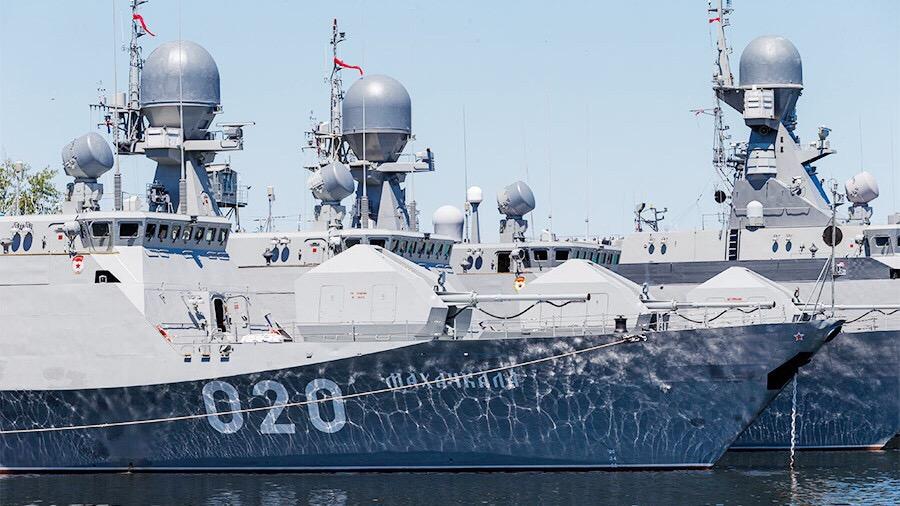 Каспийская флотилия меняет место дислокации