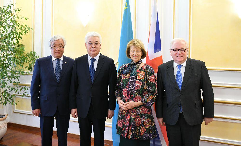 Великобритания укрепляет диалог со странами Каспия