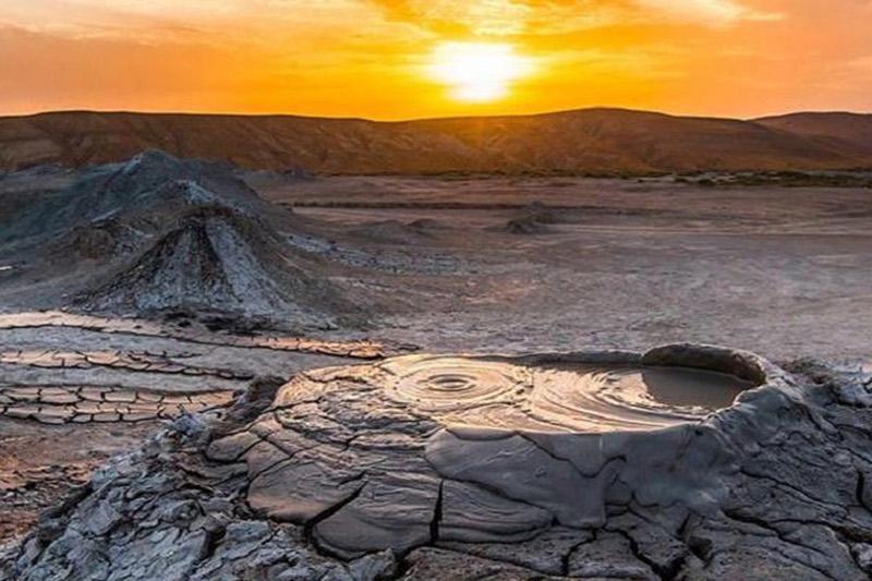 В грязевых вулканах Азербайджана обнаружены необычные минералы