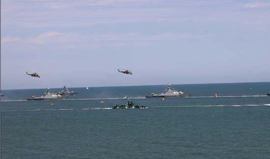 В дагестанском Каспийске впервые прошёл военно-морской парад