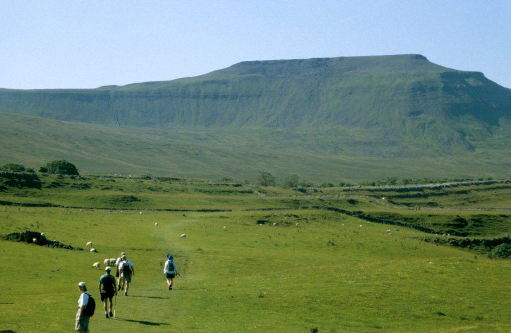 Lake-District-Yorkshire-dales-hikes-walks