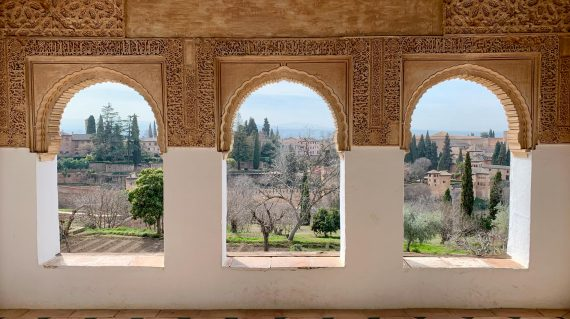 andalusia-granada-generalife-small-group-walking-tour-caspin-journeys