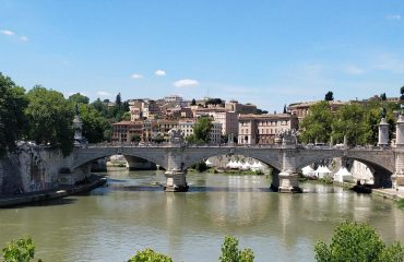 One of the many bridges of Rome