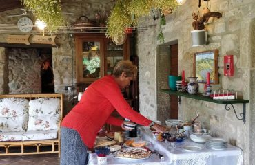 breakfast tuscan yoga retreat in cortona with yoga master and caspin journeys