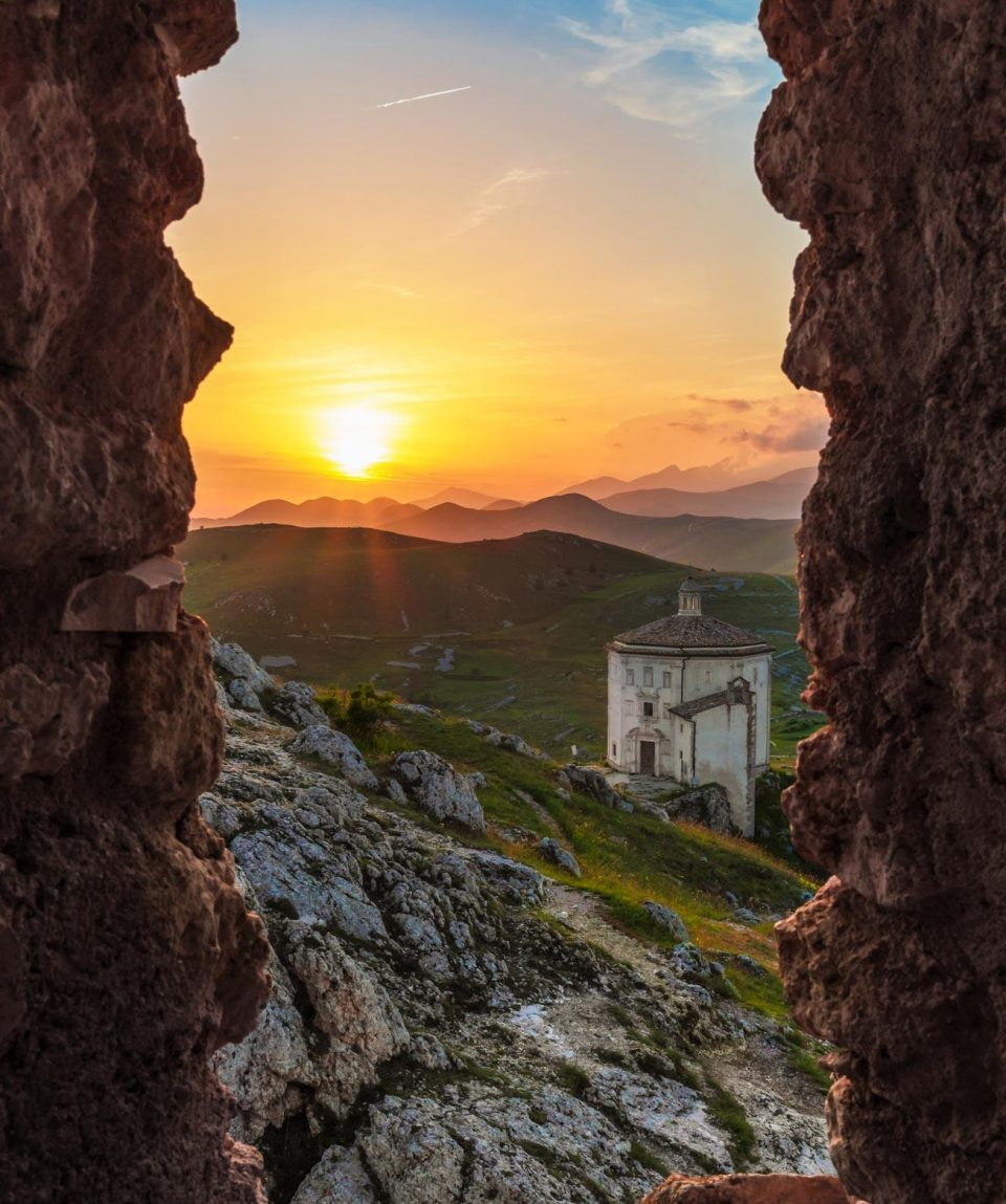Abruzzo-Calascio-View-Small-Private-Groups-Walking-Hiking-Tours-Caspin-Journeys