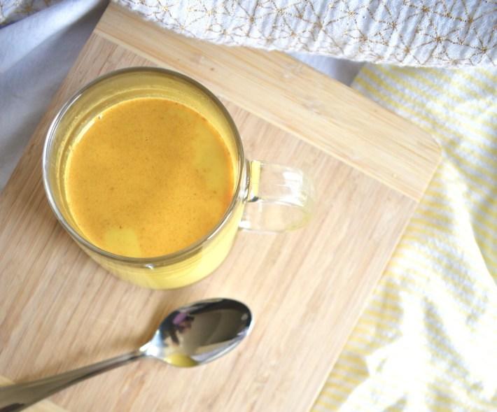 Vegan Golden Milk (haldi ka doodh)