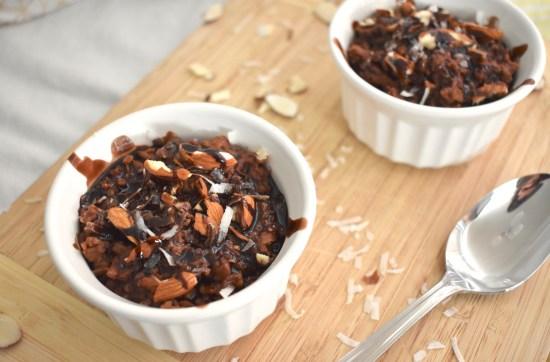chocolate coconut oatmeal - vegan almond joy