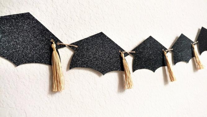 high school graduation party decorations DIY
