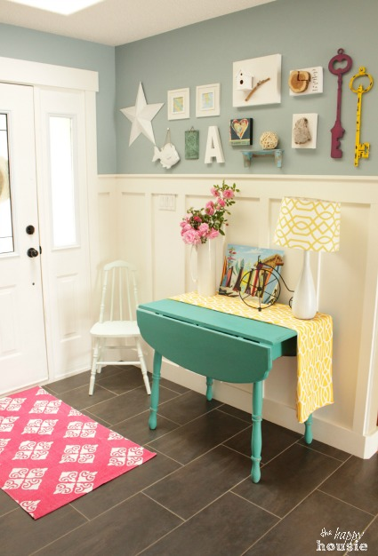The Happy Housie Home Tour for Primitive and Proper Entry Hall