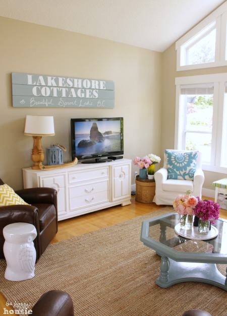 The Happy Housie Home Tour for Primitive and Proper Living Room 5
