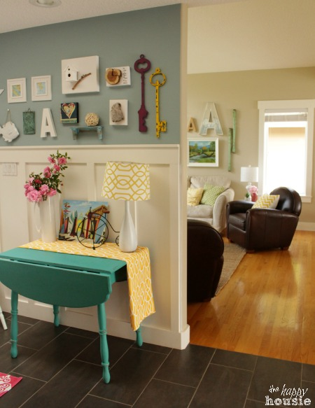 The Happy Housie Home Tour for Primitive and Proper entry hall to living room