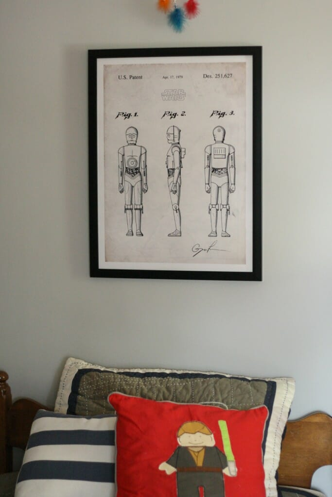 C3PO art above bed