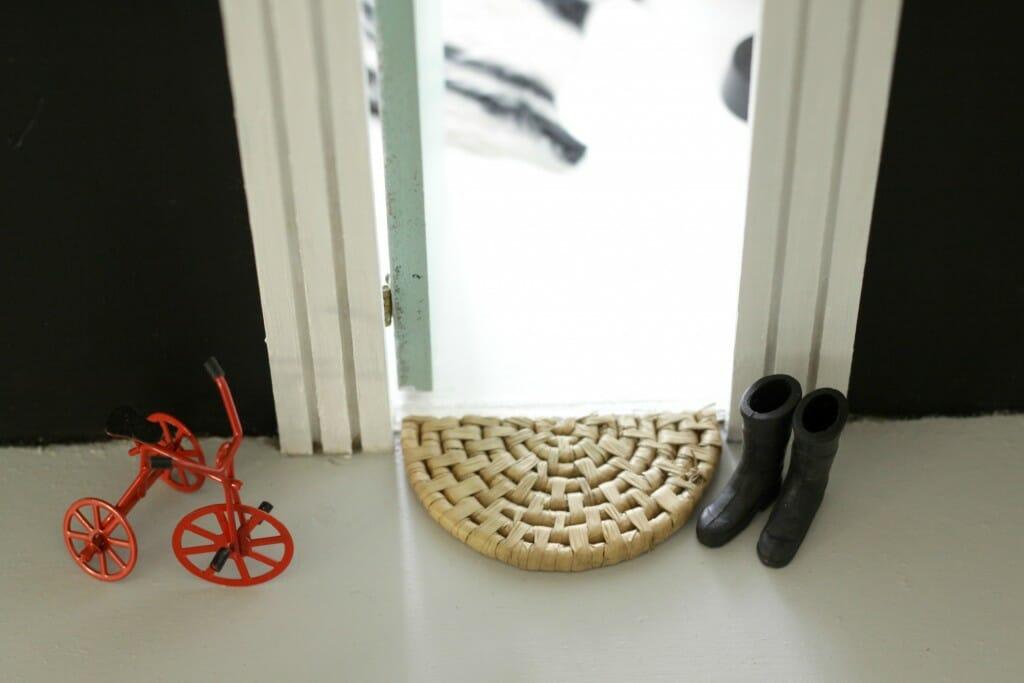 Miniature Doormat from coaster