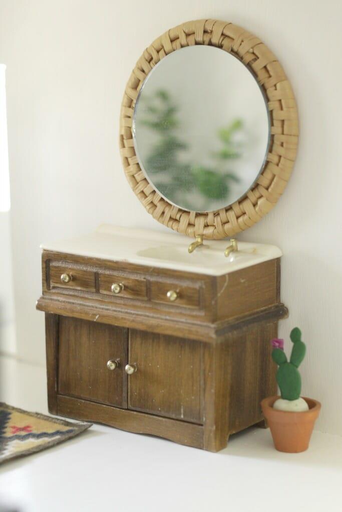 DIY Dollhouse Mirror