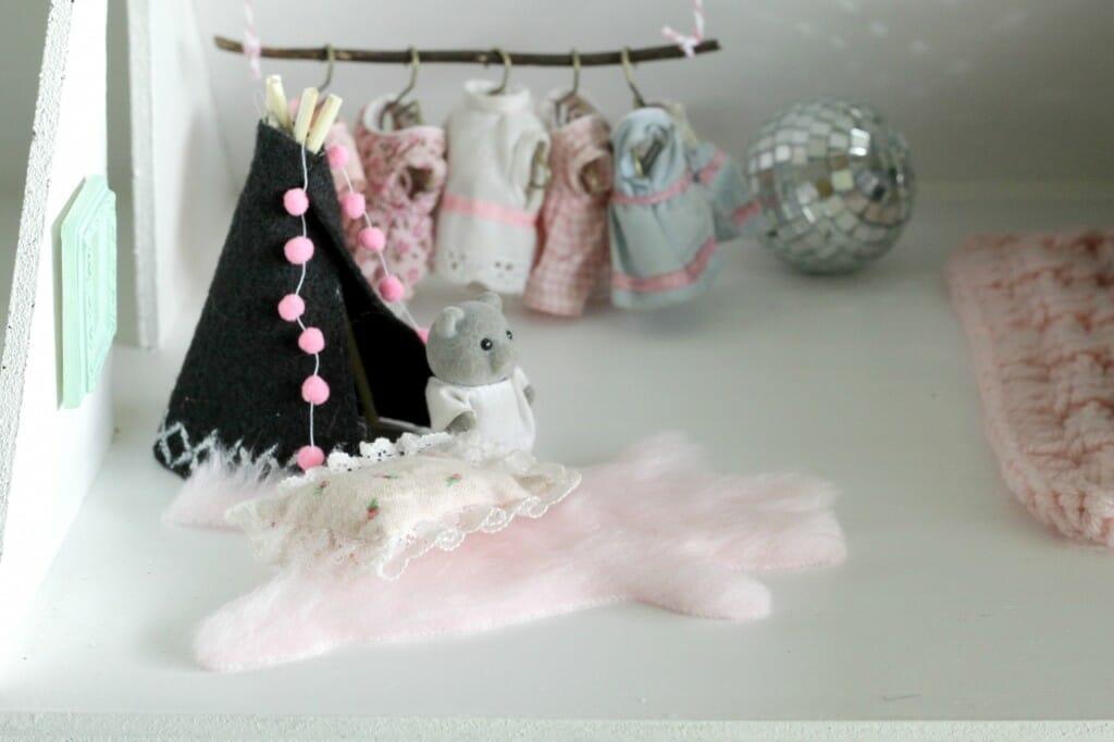 Miniature Dollhouse Teepee and Hide Rug