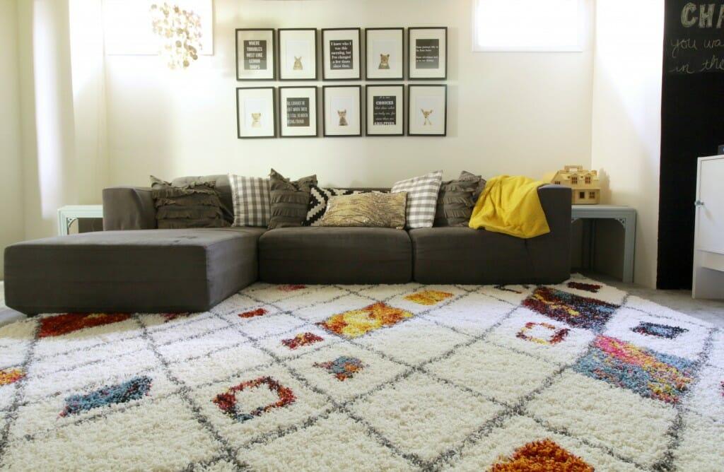 Modern-Playroom-Black-White-Colorful