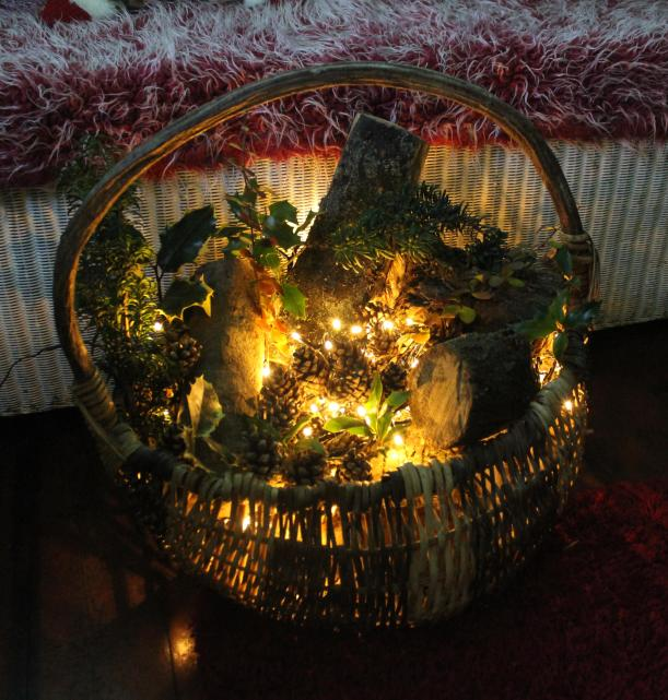 diy craft tutorial christmas decorations log basket xmas porch with fairy lights finished display