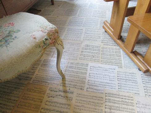 DIY using sheet music as a floor covering