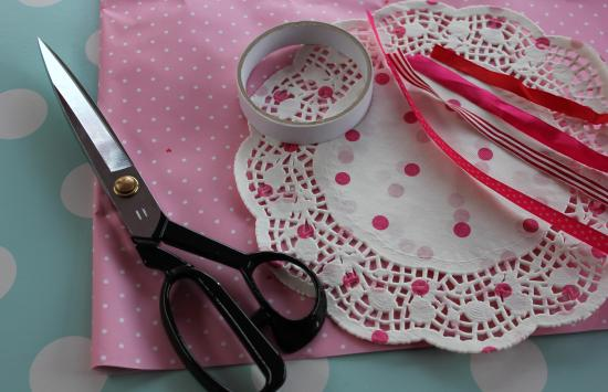 pink paper party cones with doilies for popcorn or sweets
