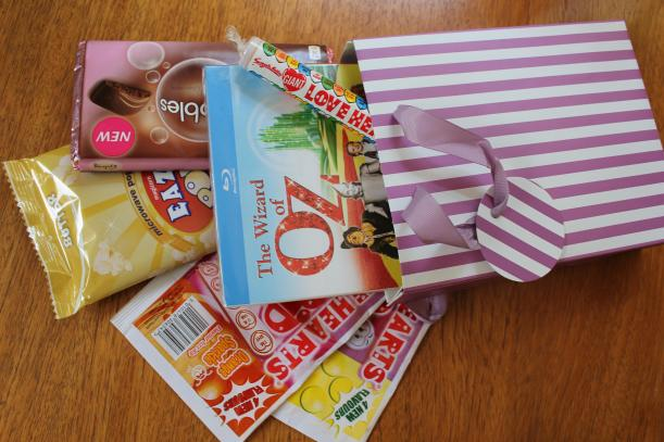 DIY night in at the movies gift bag - great valentines present