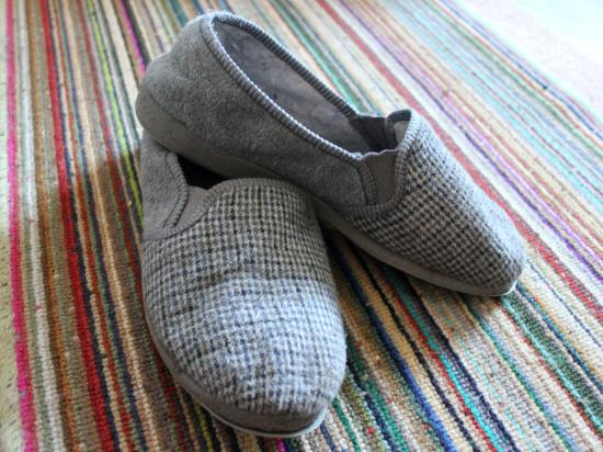 Tuesday Shoesday comfortable mens slippers