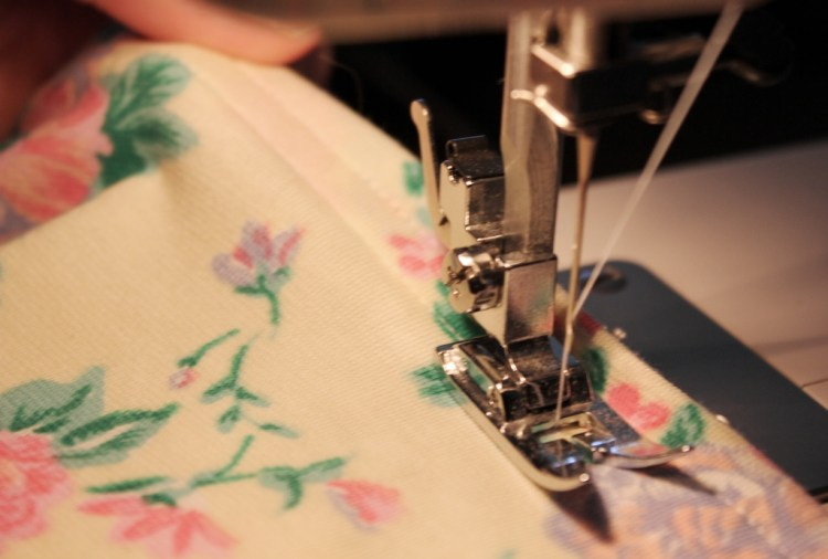 tshirt sewing project - using a double row of top stitching