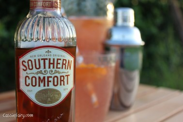 how to make a southern comfort cocktail recipe - the sharlett o hara-5