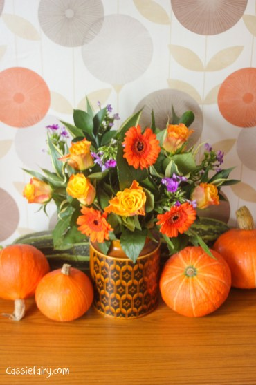 ideas for an autumn floral tablescape display-2