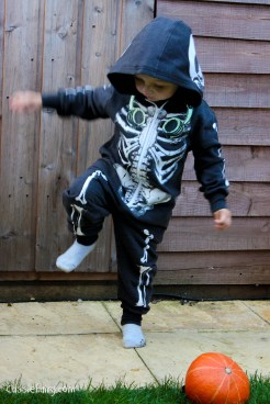 Halloween costumes for all the family_-6