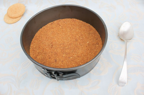 Method for making Cinder Toffee Coffee Cheesecake_-4
