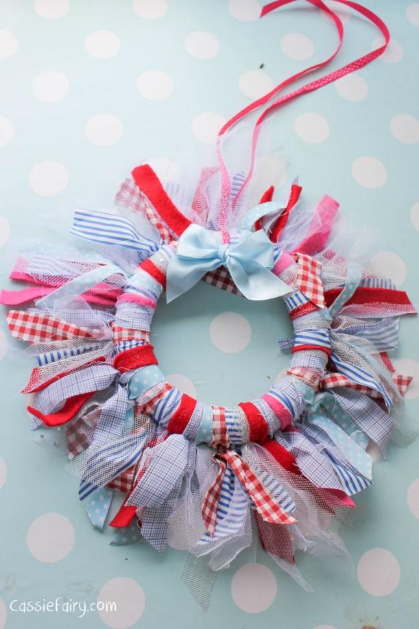 DIY fabric wreath for Christmas - step by step tutorial-12