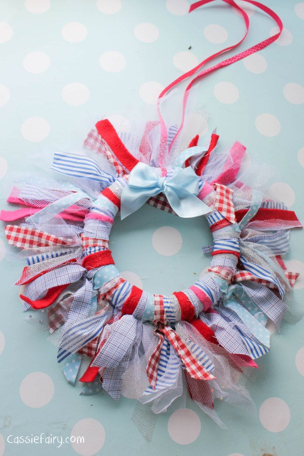 DIY fabric wreath for Christmas - step by step tutorial-12