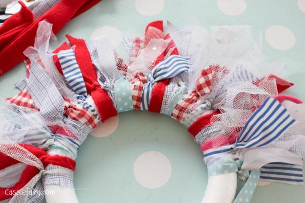 DIY fabric wreath for Christmas - step by step tutorial-6