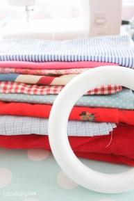 DIY fabric wreath for Christmas - step by step tutorial