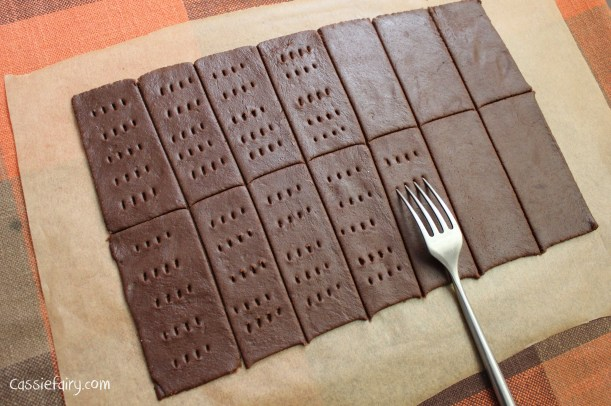 DIY homemade bourbon biscuits recipe-4