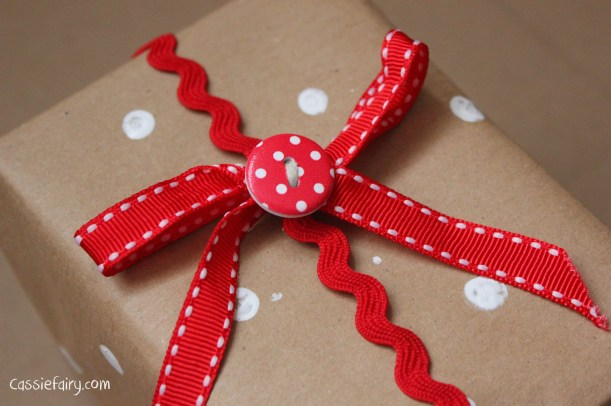 DIY homemade vintage christmas gift wrapping techniques_-20