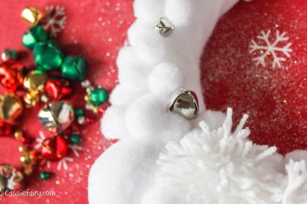 Deck the Door DIY snow ball christmas wreath-8