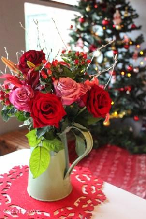 debenhams christmas festive flowers-2