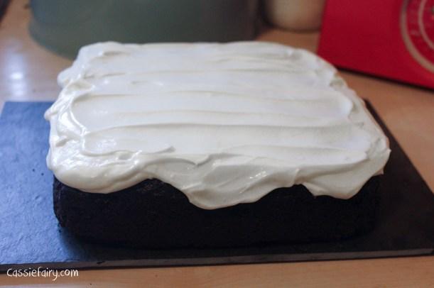 nigellas recipe for chocolate guinness cake-8