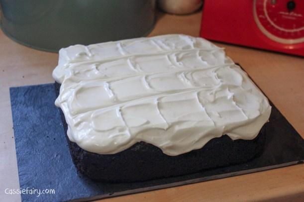 nigellas recipe for chocolate guinness cake-9