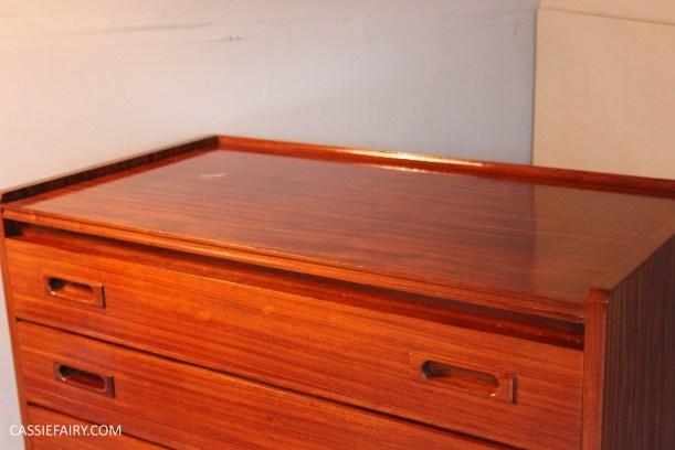 DIY how to repair teak furniture with household ingredients-8