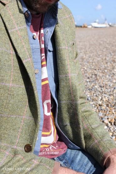 menswear mens fashion styling a tweed jacket casual beach autumn winter-16