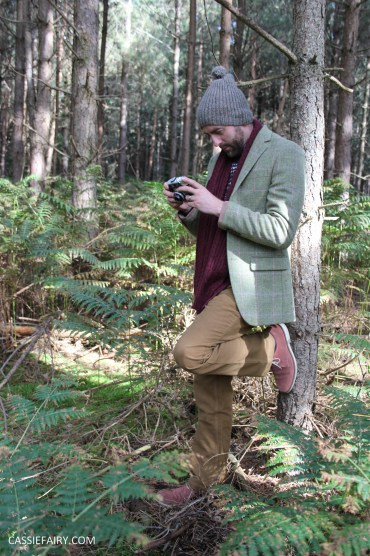 menswear mens fashion styling a tweed jacket layered warm outdoor forest autumn winter-10