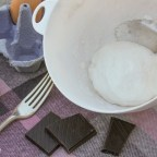 Pieday Friday Recipe – Microwave meringues & dark chocolate cookies