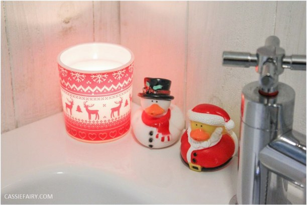 festive bathroom touches accessories towels-10