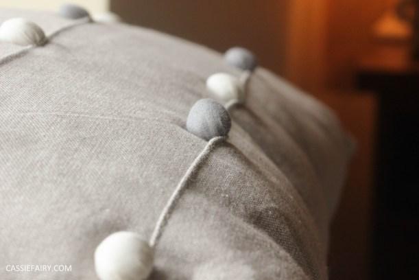 interior design - cosy autumn winter bedroom styling idea inspiration festive-12